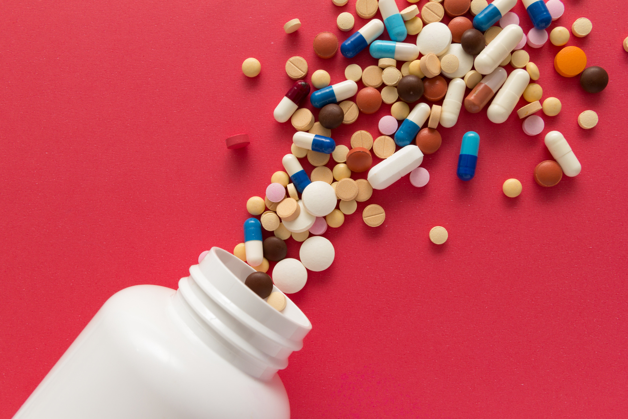 picture of pills spilling out of a bottle